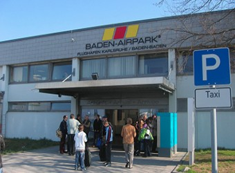 Parken Flughafen Karlsruhe / Baden-Baden