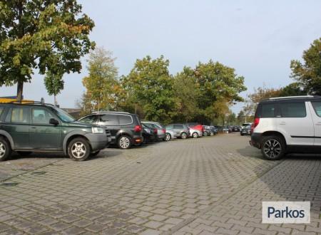 ParkenFlughafenDüs foto 10