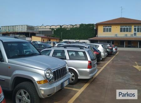 Etna Parking (Paga online) foto 7