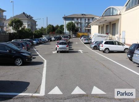 I.V.M. Parking (Paga in parcheggio) foto 7