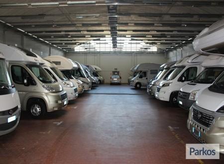 I.V.M. Parking (Paga in parcheggio) foto 11