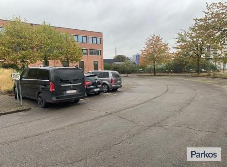 Miles Parking foto 3