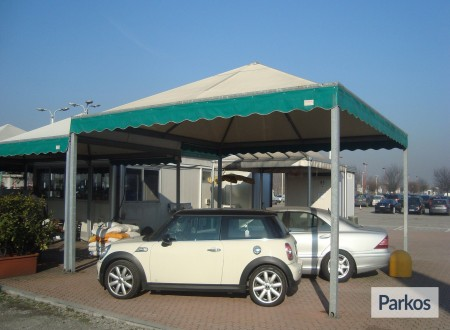 New Linate Parking (Paga online) foto 8