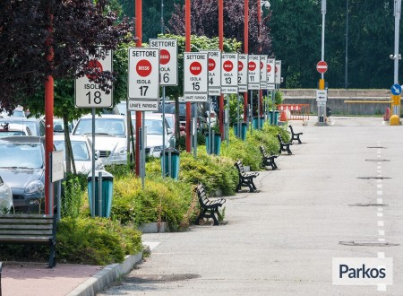 New Linate Parking (Paga online) foto 4