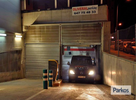 Oliveral parking (Paga en el parking) photo 8