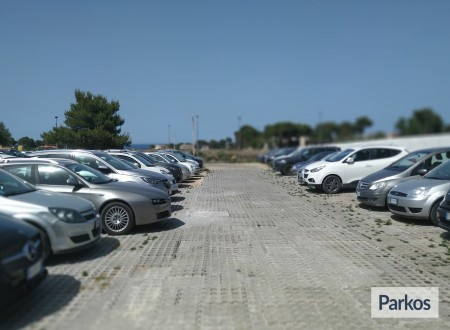 Orange Airport Parking (Paga in parcheggio) foto 6