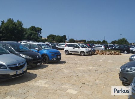 Orange Airport Parking (Paga in parcheggio) foto 3