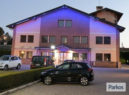 Orange Hotel Parking (Paga online) foto 4