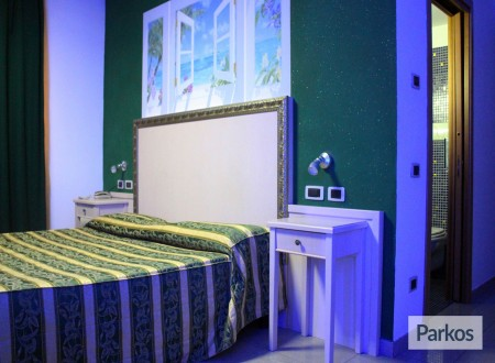 Park Sleep Fly Orange Hotel (Paga online) foto 1