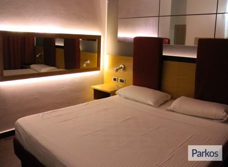 Park Sleep Fly Orange Hotel (Paga online) foto 3