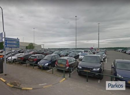 P3 Eindhoven Airport foto 2