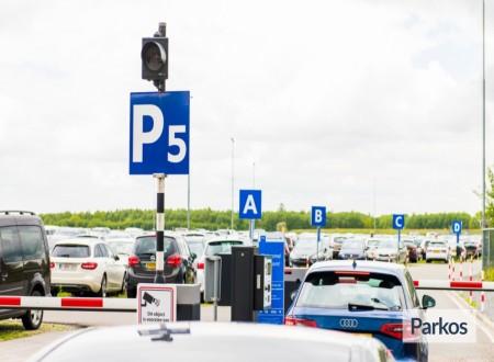 P5 Eindhoven Airport foto 2