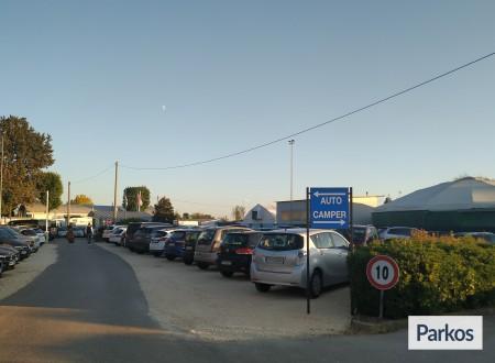 Parcheggio Marco Polo VIP (Paga online) foto 9