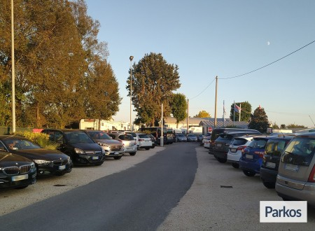 Parcheggio Marco Polo VIP (Paga online) foto 11