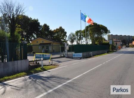 Parcheggio Triestina (Paga in parcheggio) foto 1