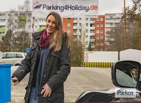 Parking 4 Holiday / Parkplatz Gropiusring foto 2