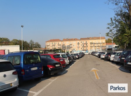 Rogoredo Park (Paga in parcheggio) foto 3