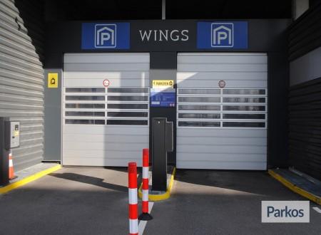 Terminal- Parking Rotterdam Airport foto 2
