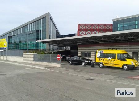 Sky Parking (Paga in parcheggio) foto 2