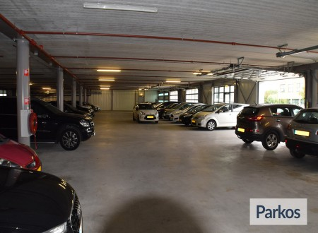 Total Care Parking foto 6
