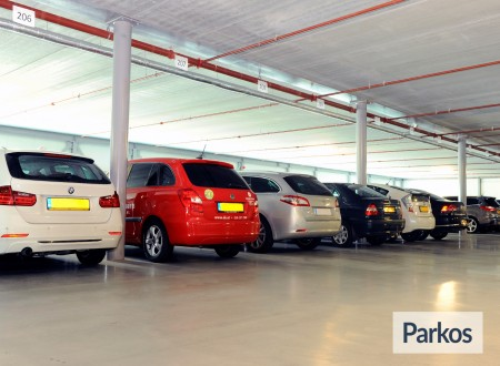 Total Care Parking foto 9