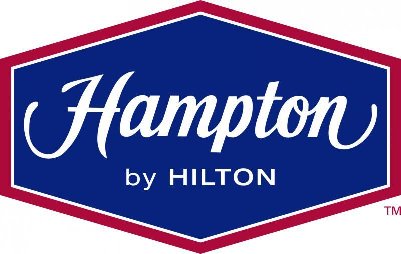 PARK, SLEEP, FLY Hampton Inn Detroit/Belleville (2 Queen beds)